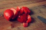 02-ovetto-pomodoro-taglio